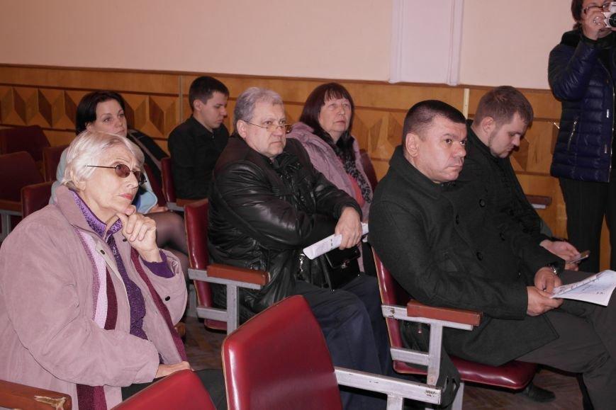 В Красноармейске подытожили 100 дней работы новоизбранного городского совета и озвучили чертову дюжину серьезных проблем, фото-6