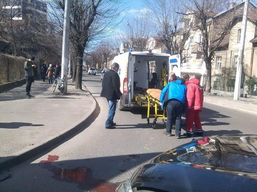 На перетині вулиць Кульпарківська-Копистинського зіткнулися дві іномарки: є потерпілий (ФОТО), фото-2