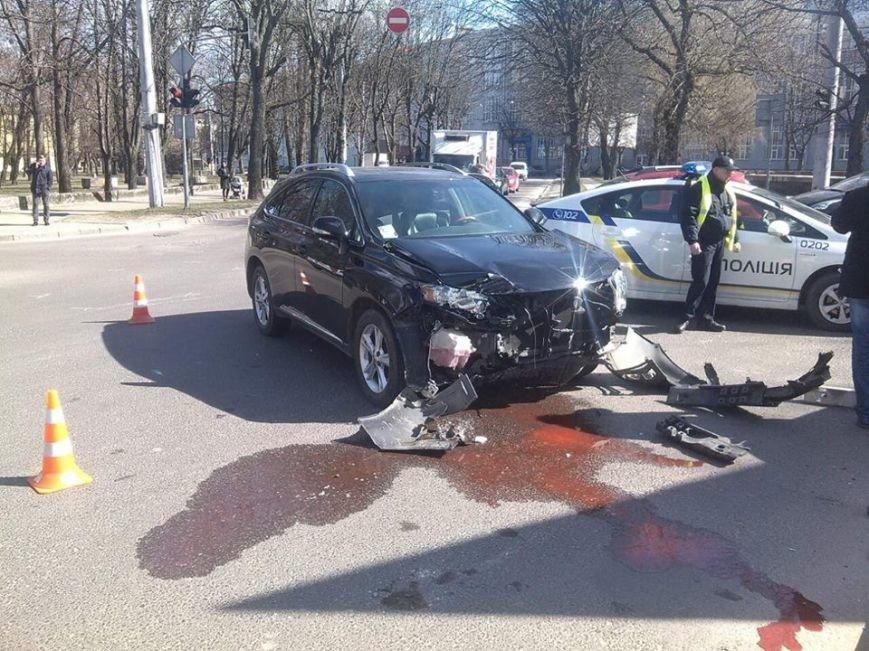 На перетині вулиць Кульпарківська-Копистинського зіткнулися дві іномарки: є потерпілий (ФОТО), фото-1