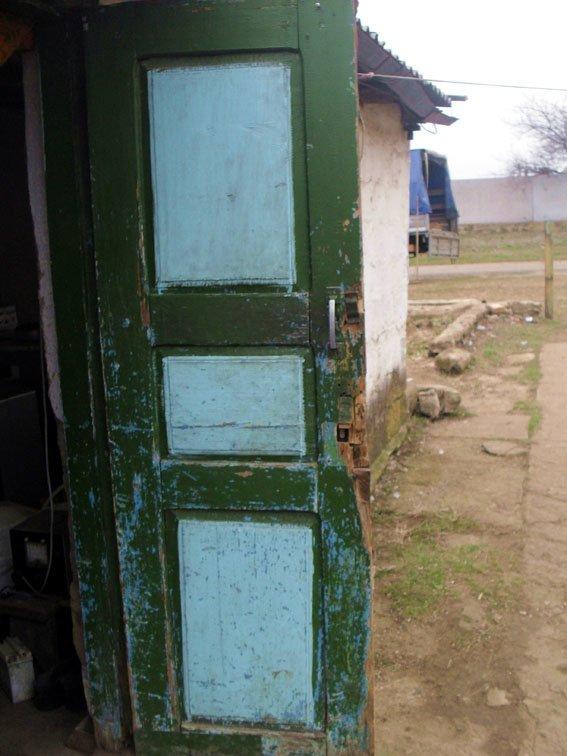 В прифронтовом поселке под Мариуполем мужчина до смерти забил сожителя (ФОТО) (фото) - фото 1
