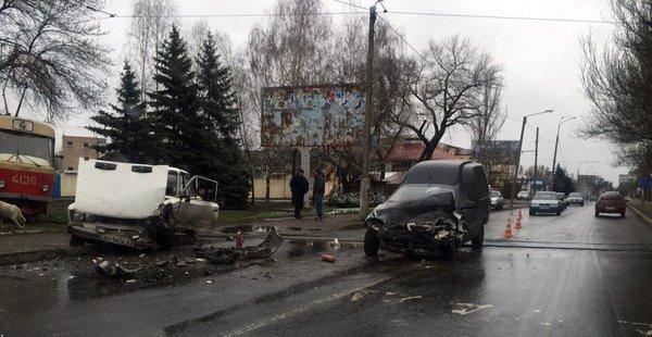 В Донецке произошло страшное ДТП (ФОТО) (фото) - фото 1