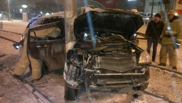 В Ульяновске водитель на Vortex врезался в столб. ФОТО, фото-1