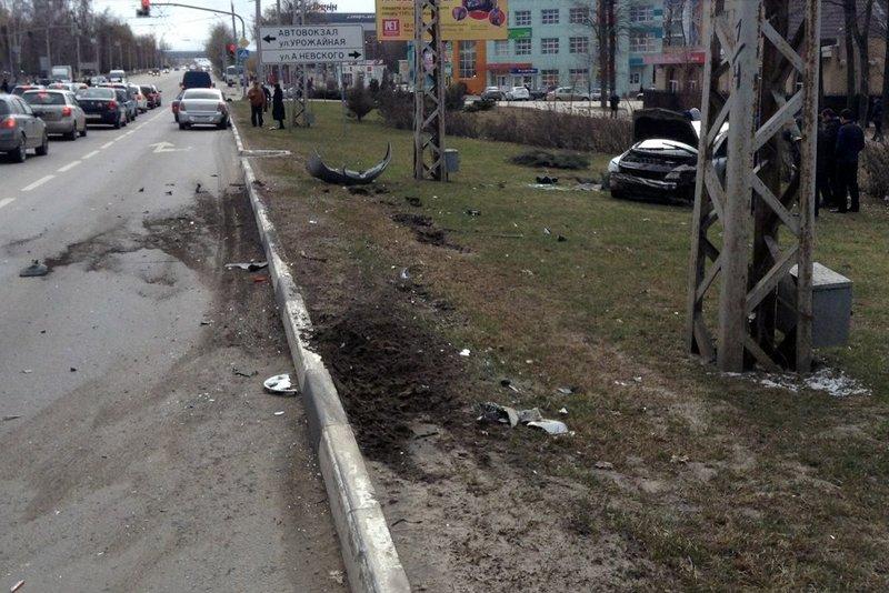 В Белгороде на Богданке перевернулась иномарка (фото) - фото 1