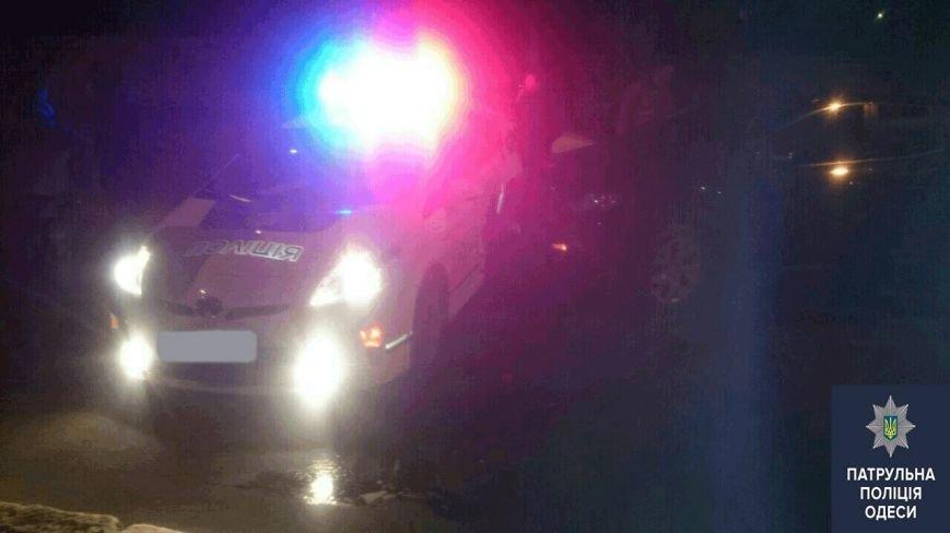 c28a0afcdf83123eabd4cf17b237715b В Одессе на месте аварии лихач сбил полицейского-регулировщика