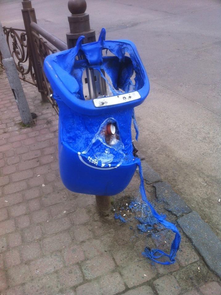 В Ужгороді смітники псуються через недбалість містян (фото) - фото 1