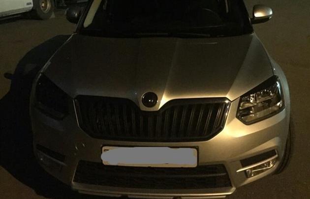 Під час  митного контролю  чоловік занизив  ціну машини на 5 тисяч євро (фото) - фото 1