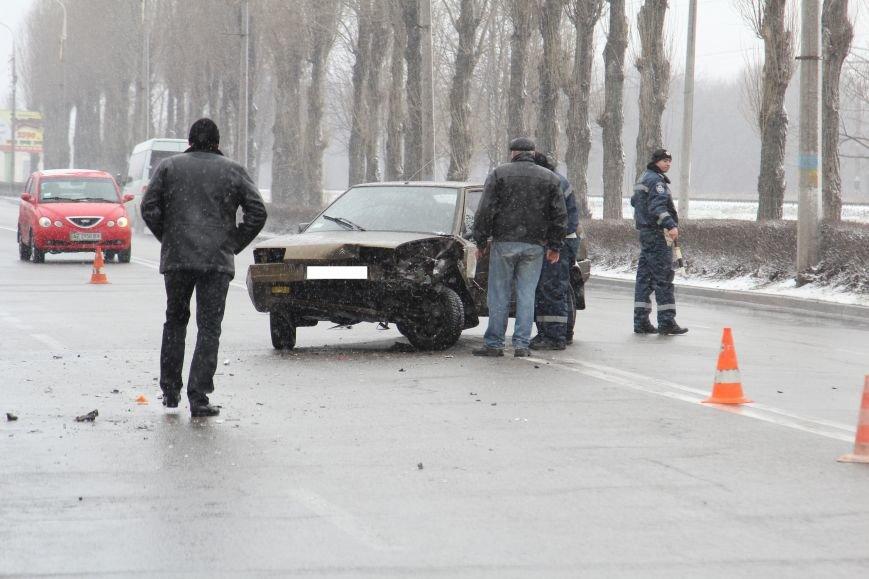 В Днепродзержинске на проспекте Юбилейном в ДТП столкнулись «восьмерка» и Citroen, фото-3