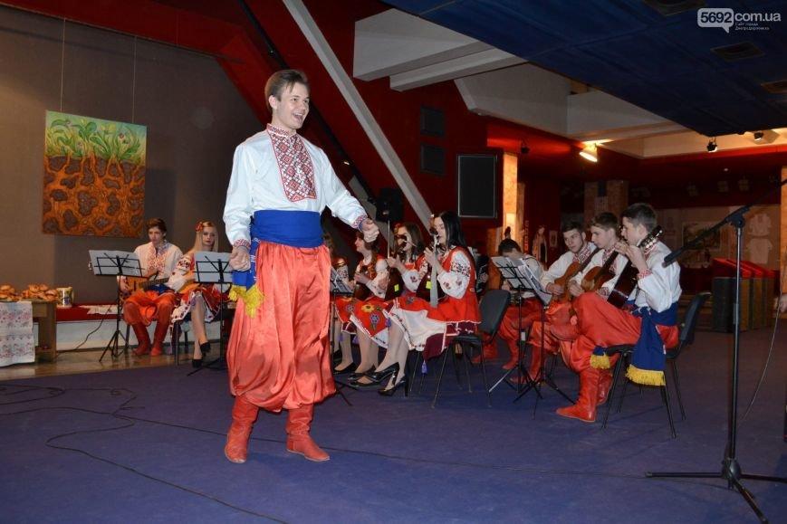 В Днепродзержинске устроили праздник украинской весны, фото-5