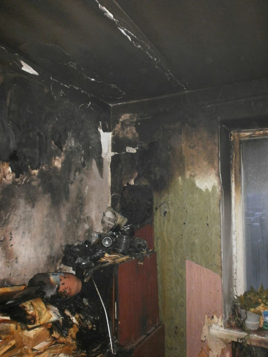 В Днепродзержинске при тушении пожара обнаружили тело пенсионерки (фото) - фото 3