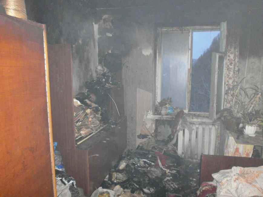 В Днепродзержинске при тушении пожара обнаружили тело пенсионерки (фото) - фото 1
