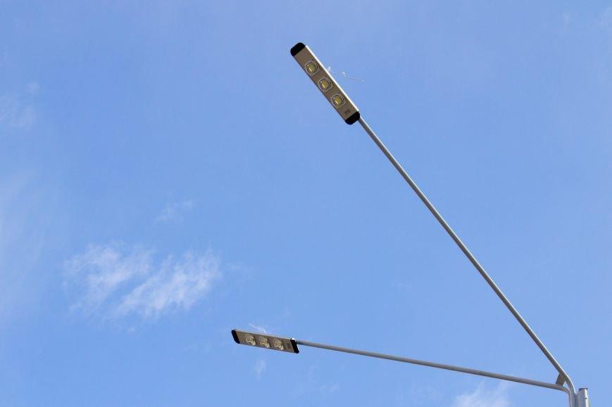 В Днепродзержинске на Левобережном мосту начали монтаж освещения (фото) - фото 2