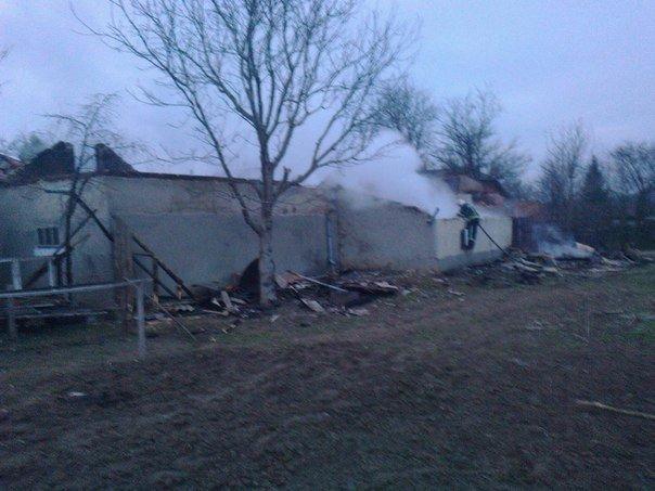 На Тернопільщині вщент згорів будинок (фото) (фото) - фото 1
