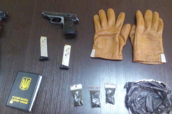 На Полтавщине задержали вооруженных кикбоксеров (фото) - фото 4