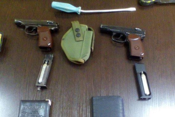 На Полтавщине задержали вооруженных кикбоксеров (фото) - фото 1