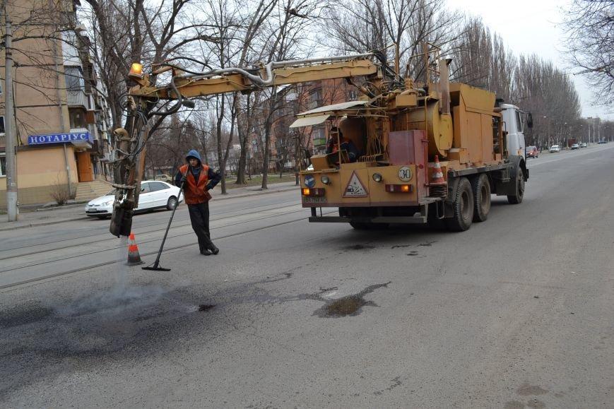 Для ямочного ремонта дорог в Кривой Рог приехал автогудронатор и бригада дорожников из Днепропетровска (ФОТО), фото-7
