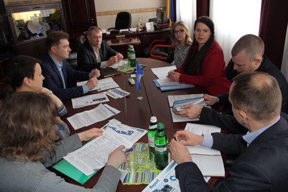 Черниговские полицейские обсудили вопрос торговли людьми с представителями спецмиссии ОБСЕ (фото) - фото 1
