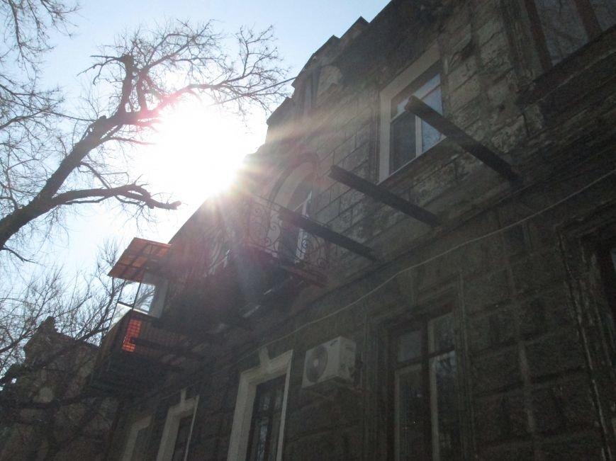 18d6b8ecd04eb5a82121fab2f09fc2ec Довели до ручки: В Одессе можно наблюдать парад падающих балконов
