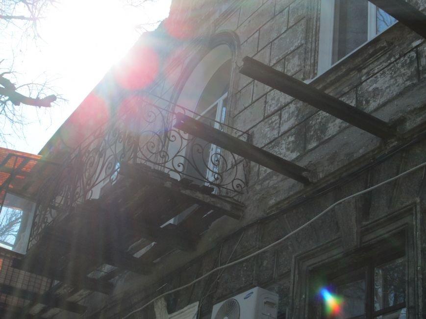 197a6d2f181fd1b21071a28179a4ce70 Довели до ручки: В Одессе можно наблюдать парад падающих балконов