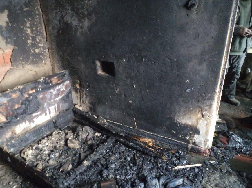 В Днепродзержинске горели дом и летняя кухня (фото) - фото 3