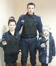 Школьники оказались в комнатах для задержанных Терновского отделения полиции (фото) - фото 1