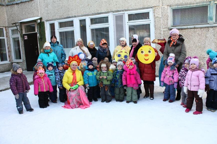 Активисты провели для маленьких полевчан череду праздников (фото), фото-1