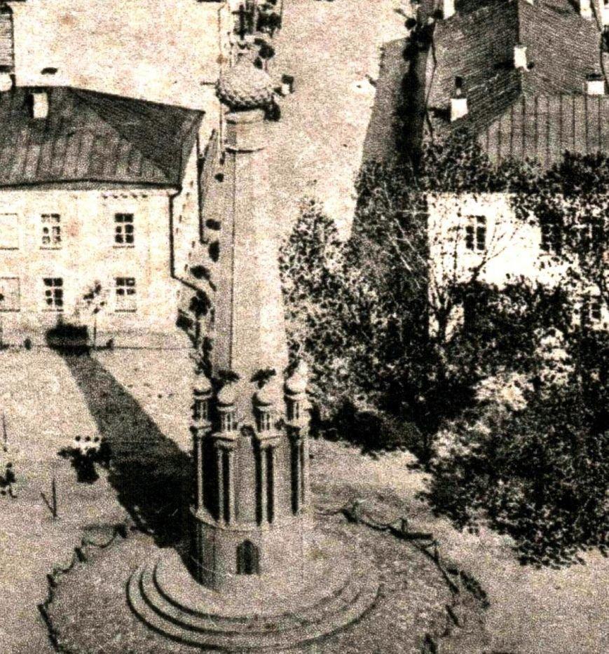 90 тонн чугуна и более 100 кубов бетона в центре Полоцка. Как возрождался памятник Героям Отечественной войны 1812 (фото) - фото 1