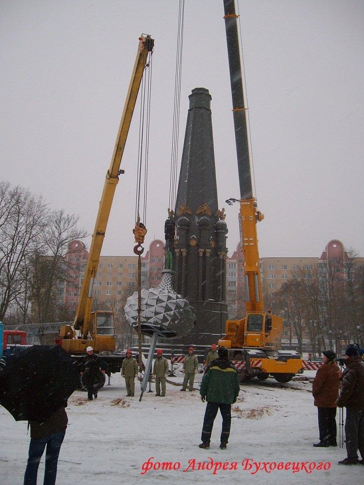 90 тонн чугуна и более 100 кубов бетона в центре Полоцка. Как возрождался памятник Героям Отечественной войны 1812 (фото) - фото 9