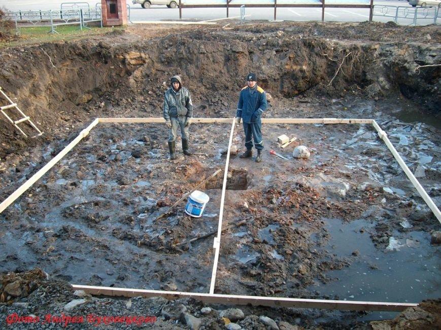 90 тонн чугуна и более 100 кубов бетона в центре Полоцка. Как возрождался памятник Героям Отечественной войны 1812 (фото) - фото 2
