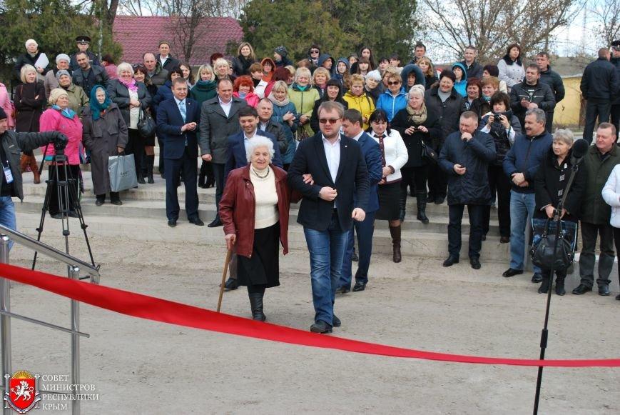 Открытие МФЦ в Симферопольском районе позволит сократить очереди в столице Крыма, - Полонский (ФОТО), фото-4