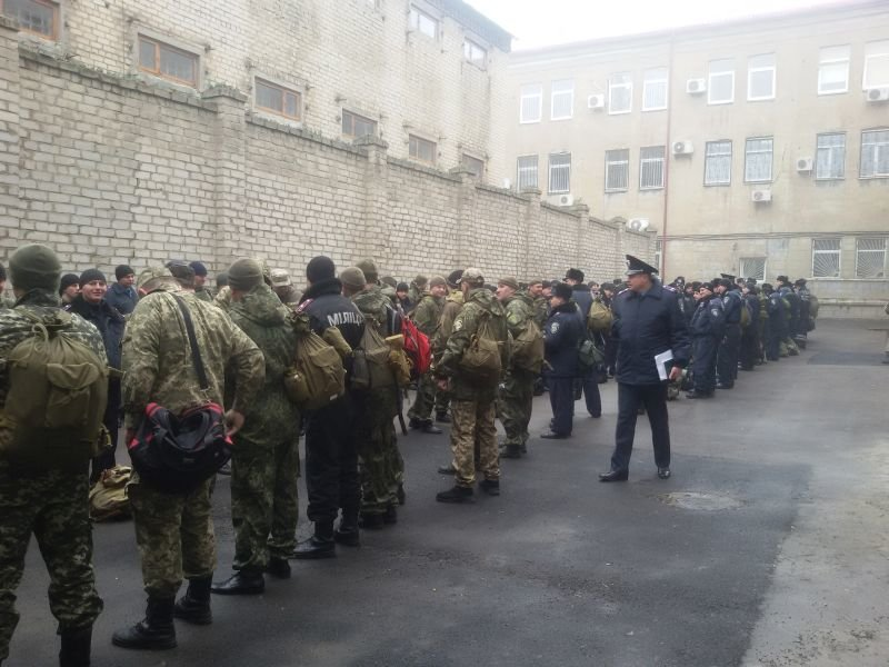 Краматорскую полицию подняли по тревоге (фото) - фото 1