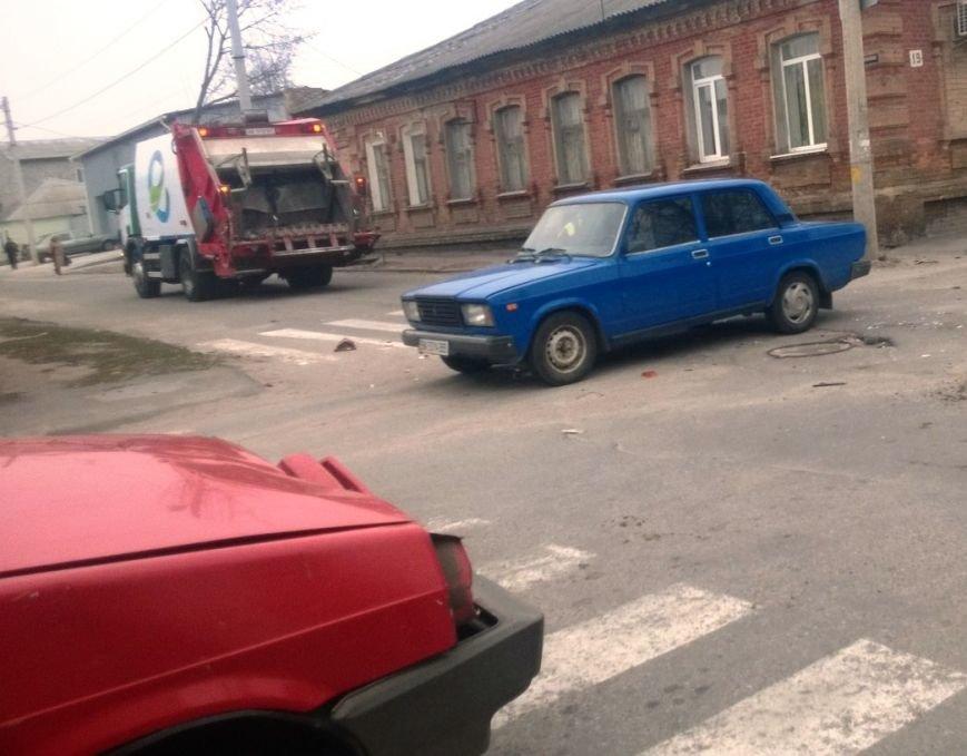 ДТП в Кировограде: легковой автомобиль столкнулся с мусоровозом (ФОТО), фото-4