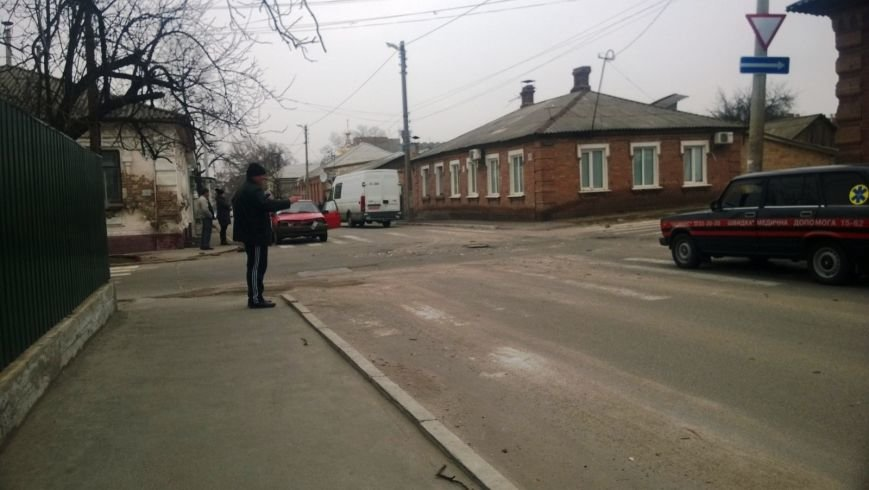 ДТП в Кировограде: легковой автомобиль столкнулся с мусоровозом (ФОТО), фото-1