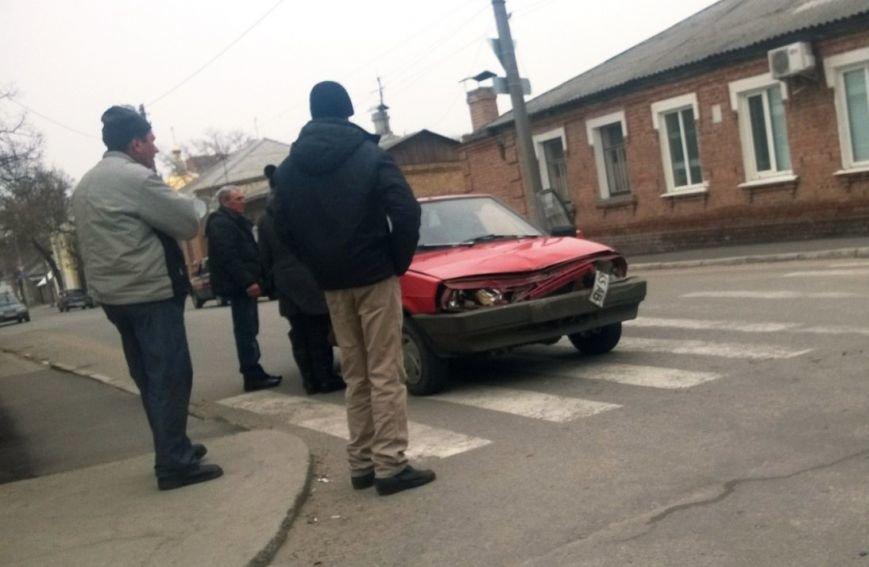 ДТП в Кировограде: легковой автомобиль столкнулся с мусоровозом (ФОТО), фото-3