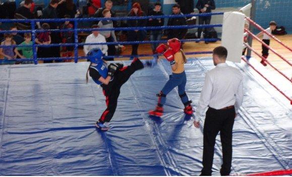 Спортсмены Красноармейска и Димитрова успешно выступили на Открытом Чемпионате Донецкой области по кикбоксингу (фото) - фото 6