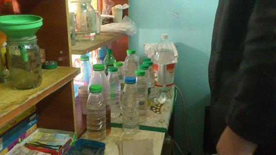 В Днепродзержинске устроили рейды по точкам продажи алкоголя (фото) - фото 1