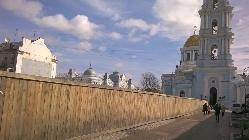 Cумчане против долгостроя напротив собора (ФОТО) (фото) - фото 1