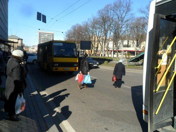 Львівські пішоходи почали менше порушувати правила дорожнього руху через боязнь отримати штраф (ФОТО), фото-4