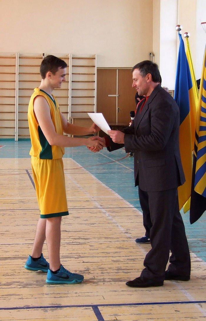 Баскетбольная студенческая команда ДонНТУ Красноармейска триумфально выступила на соревнованиях в Краматорске, фото-2