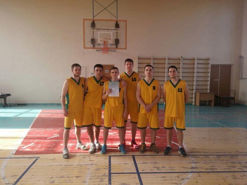 Баскетбольная студенческая команда ДонНТУ Красноармейска триумфально выступила на соревнованиях в Краматорске (фото) - фото 3