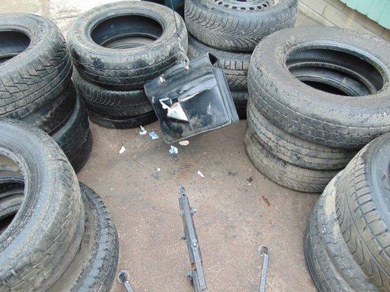 В Житомире обезвредили подозрительный портфель, обнаруженный на ул. Победы (фото) - фото 1