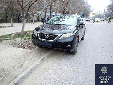 В Одессе нашли угнанный внедорожник Lexus. Еще один ищут (ФОТО) (фото) - фото 1