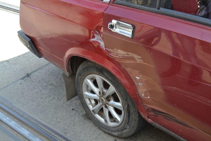 В Кривом Роге из-за ДТП на улице Косиора было остановлено движение трамваев (ФОТО), фото-1