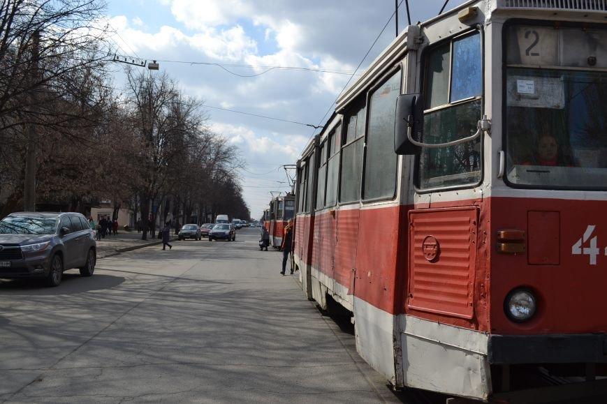 В Кривом Роге из-за ДТП на улице Косиора было остановлено движение трамваев (ФОТО), фото-15