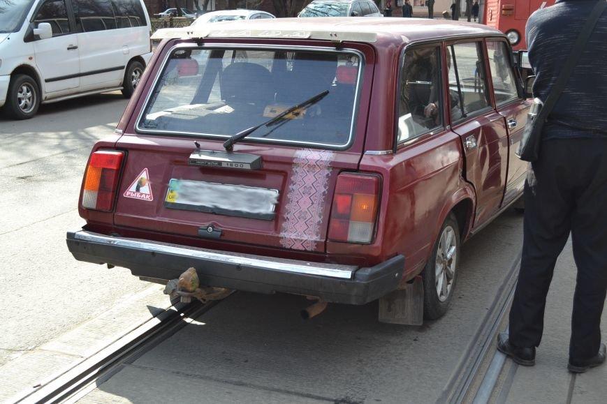 В Кривом Роге из-за ДТП на улице Косиора было остановлено движение трамваев (ФОТО), фото-5
