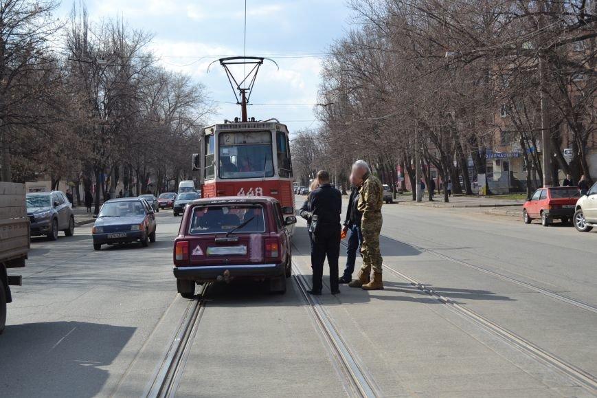 В Кривом Роге из-за ДТП на улице Косиора было остановлено движение трамваев (ФОТО), фото-7