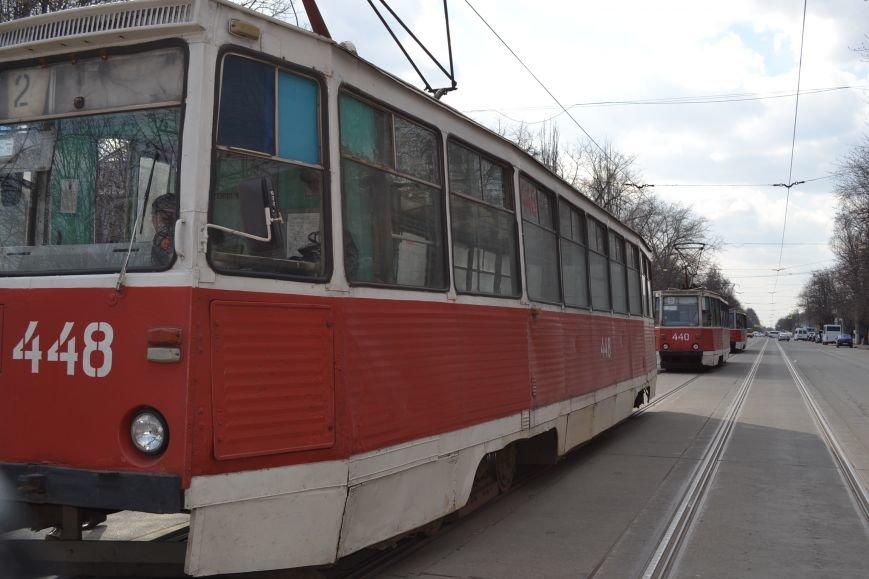 В Кривом Роге из-за ДТП на улице Косиора было остановлено движение трамваев (ФОТО), фото-14