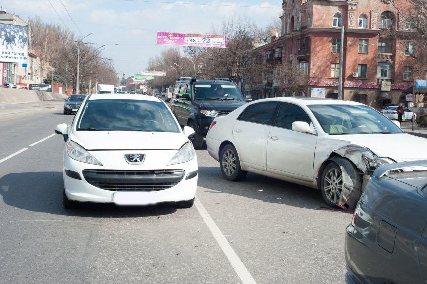 "В Кривом Роге ""Toyota Avalon"" догнала три стоявших на светофоре автомобиля (ФОТО), фото-6"
