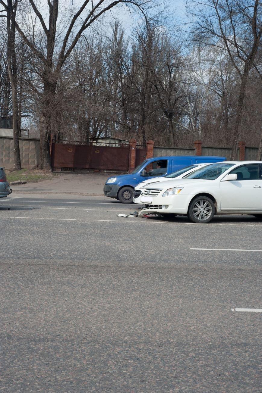 "В Кривом Роге ""Toyota Avalon"" догнала три стоявших на светофоре автомобиля (ФОТО), фото-17"