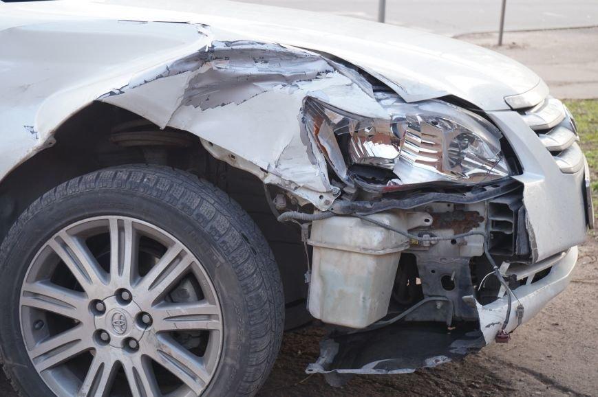 В Кривом Роге четыре автомобиля влетели друг в друга на светофоре (ФОТО) (фото) - фото 2