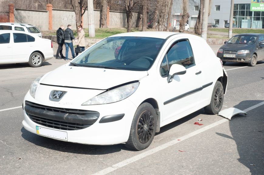 "В Кривом Роге ""Toyota Avalon"" догнала три стоявших на светофоре автомобиля (ФОТО), фото-7"
